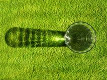 Vidrio en verde imagen de archivo libre de regalías
