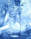 Vidrio, hielo y agua pura Imagen de archivo