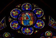 Vidrio manchado de Notre Dame imágenes de archivo libres de regalías
