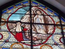 Vidrio manchado dentro de la iglesia Fotos de archivo libres de regalías