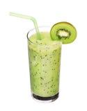 Vidrio sano de sabor del kiwi de los smoothies en blanco Imagen de archivo libre de regalías