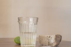Vidrio tallado de vodka rusa Foto de archivo