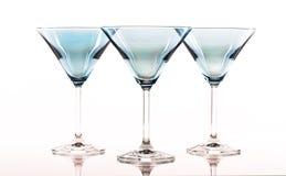Vidrios azules de martini Fotos de archivo