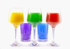 Vidrios coloreados con las bebidas Fotografía de archivo libre de regalías