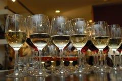 Vidrios con champán. Foto de archivo libre de regalías