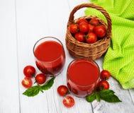 Vidrios con el jugo de tomate Imagen de archivo
