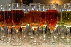 Vidrios con el vino. Imagen de archivo libre de regalías