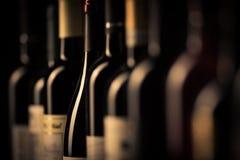 Vidrios con el vino foto de archivo