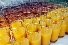 Vidrios con las bebidas no alcohólicas Fotografía de archivo libre de regalías