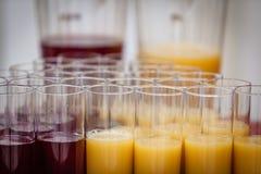Vidrios con las bebidas no alcohólicas Imagenes de archivo