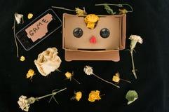 vidrios 3D para el juego en el tel?fono m?vil Fondo colorido Artilugios y flores disposici?n fotografía de archivo