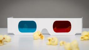 vidrios 3D y palomitas Imagen de archivo libre de regalías