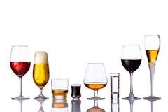 Vidrios de bebidas alcohólicas Imagen de archivo libre de regalías