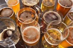 Vidrios de cerveza Fotos de archivo libres de regalías