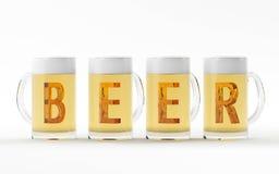 Vidrios de cerveza con la representación cristalina ambarina de la fuente 3D Imágenes de archivo libres de regalías