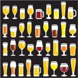 Vidrios de cerveza fijados Fotos de archivo