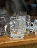 Vidrios de cerveza vacíos Imágenes de archivo libres de regalías