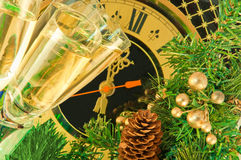 Vidrios de champán en el Año Nuevo Imagenes de archivo
