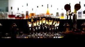 Vidrios de champán en el restaurante Imagen de archivo