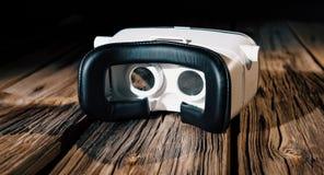Vidrios de la realidad virtual, 360 grados de auriculares del vídeo Fotografía de archivo libre de regalías