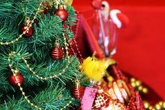 Vidrios de las decoraciones del árbol del Año Nuevo Fotografía de archivo libre de regalías