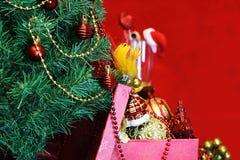 Vidrios de las decoraciones del árbol del Año Nuevo Imágenes de archivo libres de regalías