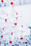 Vidrios de martini del champán de la pirámide Fotos de archivo libres de regalías