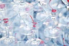 Vidrios de martini del champán de la pirámide Imagenes de archivo