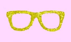 Vidrios de oro de lujo con las estrellas del confeti en fondo rosado Imagenes de archivo