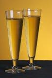 Vidrios de Pilsner imagen de archivo