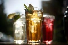 Vidrios de restauración de la bebida Imágenes de archivo libres de regalías