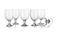 Vidrios de vino aislados en blanco Fotografía de archivo