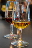 Vidrios de vino de Oporto de rubíes Imagen de archivo