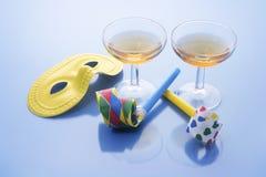 Vidrios de vino y favores de partido Imagen de archivo