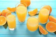 Vidrios de zumo de naranja fresco Imágenes de archivo libres de regalías