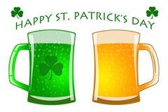 Vidrios del día del St Patricks de verde y de cerveza de barril stock de ilustración