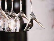 Vidrios en restaurante imagen de archivo