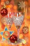 Vidrios en un vector festivo del Año Nuevo fotos de archivo