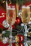 Vidrios en un vector festivo del Año Nuevo foto de archivo