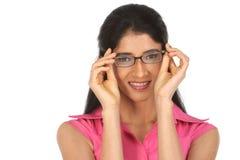 Vidrios indios hermosos de la muchacha imágenes de archivo libres de regalías