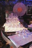 Vidrios puros en contador de la barra Fotografía de archivo libre de regalías