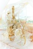 Vidrios y vino de la boda Imagenes de archivo