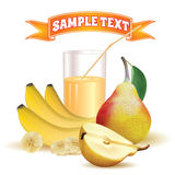 Vidro com suco e palha, bananas e pera Imagem de Stock