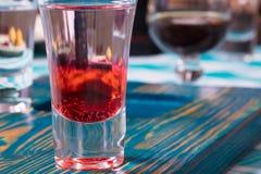 Vidro com vinho tinto no restaurante Foto de Stock Royalty Free