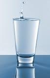 Vidro da água imagens de stock