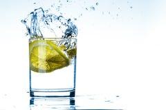 Vidro da água do limão Foto de Stock