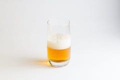 Vidro da cerveja no fundo branco Imagens de Stock Royalty Free