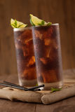Vidro da cola com gelo Fotografia de Stock
