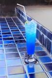 Vidro da soda azul Fotos de Stock