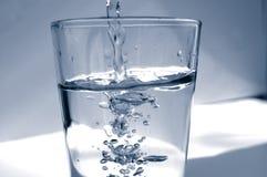 Vidro de água imagem de stock royalty free